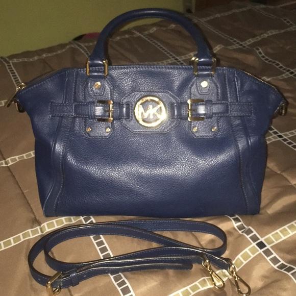 5bc42b91e6fb Michael Kors Bags   Like New Authentic Mk Leather Purse Ap1308 ...